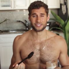 VIRAL: Hot Peruvian Model-Turned Chef gets Viewers Hungry – But Not for his Food [Video]