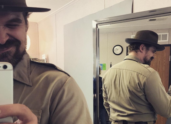 """Thicc"" Chief Hopper of 'Stranger Things' Posted a Belfie, and We're Here for it"