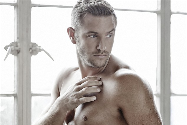 ICYMI: Elliott Wright Gets Naked For Cancer Research