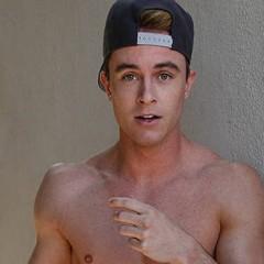VIRAL: 'Teen Wolf's Ryan Kelley Bares Butt in Homage to 'Idol' Bieber