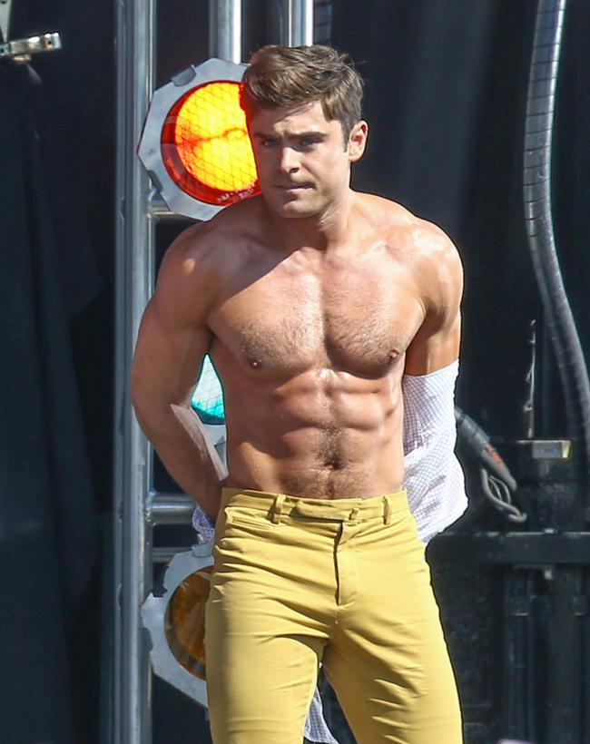 zac efron grand-1