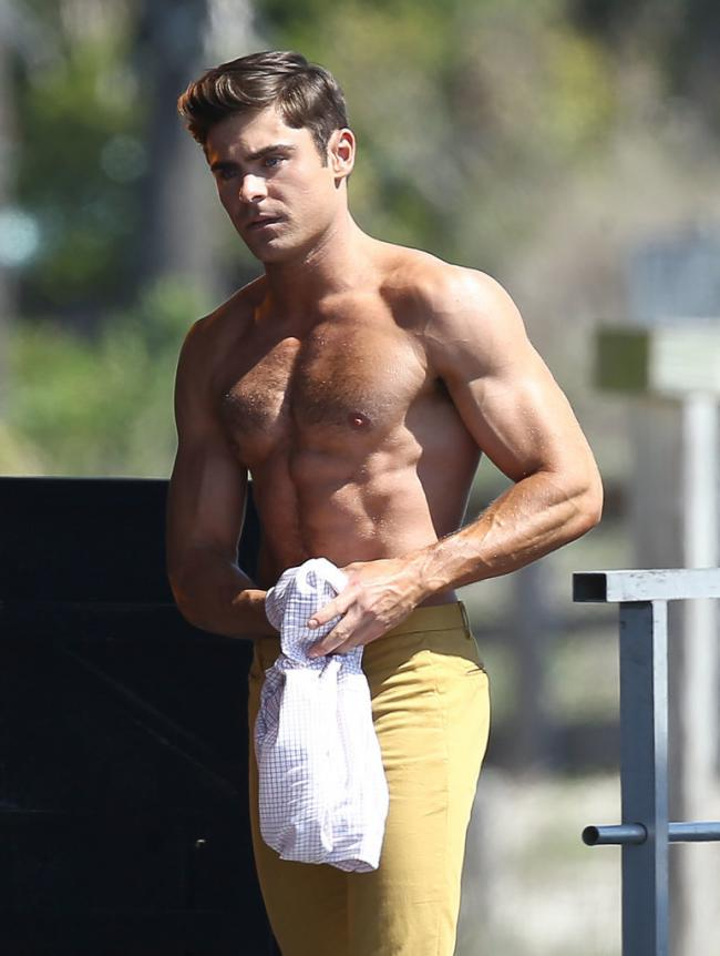 zac efron grand-3