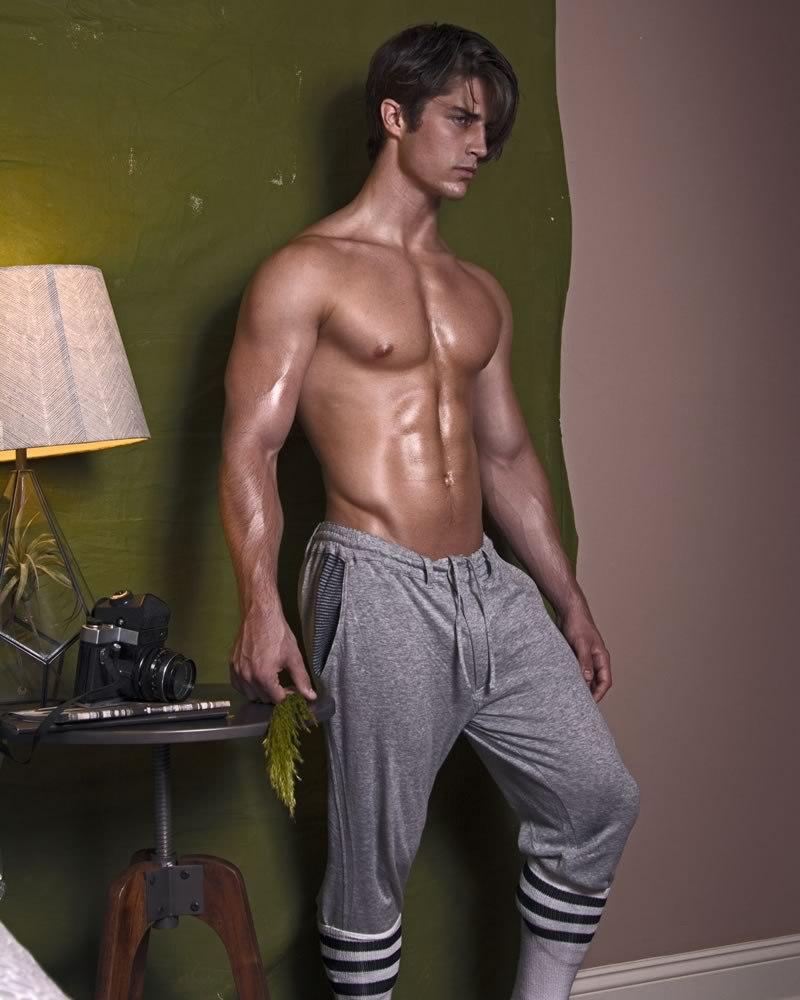 austin-sikora-shirtless