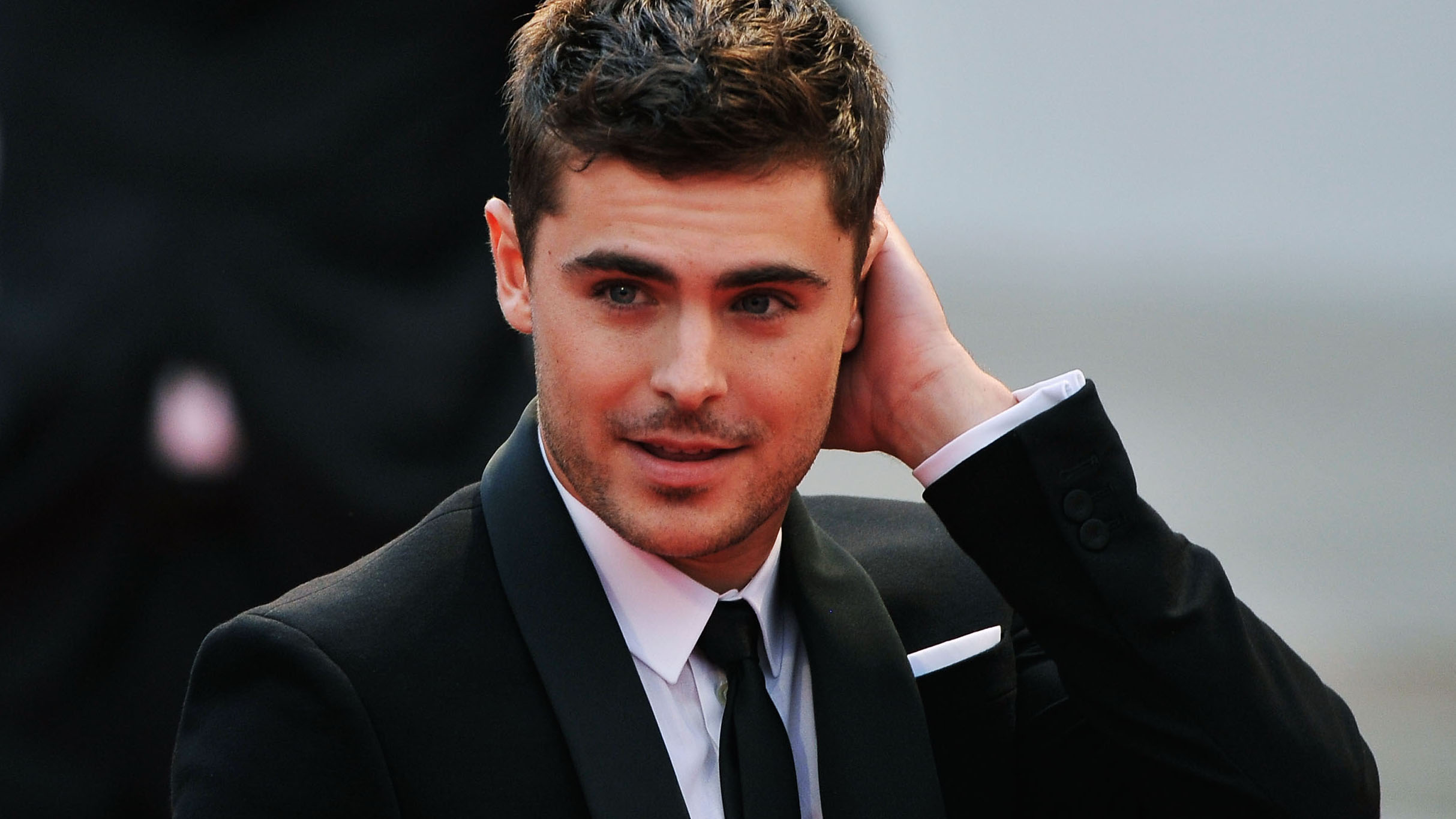 "VENICE, ITALY - AUGUST 31: Actor Zac Efron attends the ""At Any Price"" premiere during the 69th Venice Film Festival at the Palazzo del Cinema on August 31, 2012 in Venice, Italy. (Photo by Gareth Cattermole/Getty Images)"