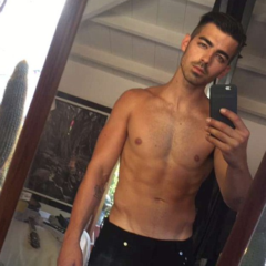 """GOSSIP: Joe Jonas Dishes the Dirt on his """"Whips & Leather"""" Sex Life & Gay Fans"""