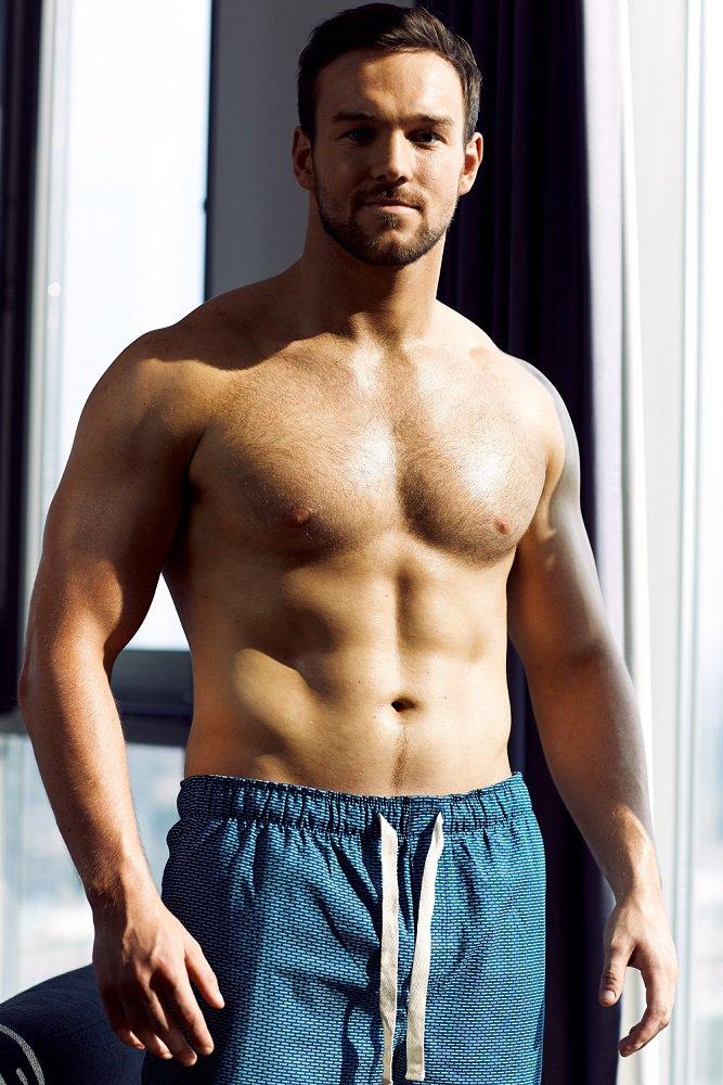 richard-hadfield-shirtless