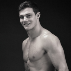 MAN CANDY: Frontal Shots of Twunky Model Ben Todd Proves he's the Full Package [NSFW]