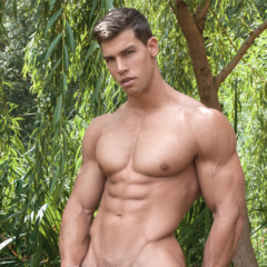 MAN CANDY: You'll get HUNG up on these Naked GIFs of Adult Film Star Kris Evans [NSFW]