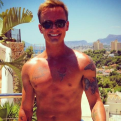 MAN CANDY: S Club 7-inches: Singer Jon Lee Exposed in Raunchy Bedroom Romp [NSFW]