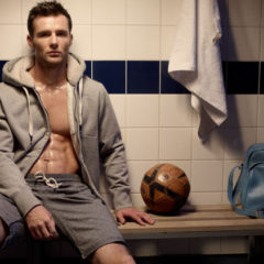 Harry Judd Strips off & Opens Up: Addressing Mental Health & Anxiety with Fitness