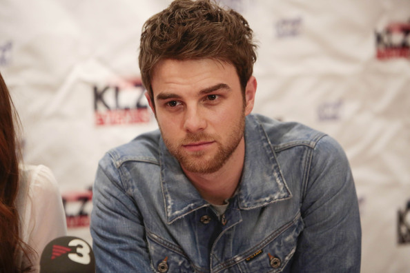 MAN CANDY: 'Pretty Little Liars' Nathaniel Buzolic's Alleged D Pics hit Web [NSFW]