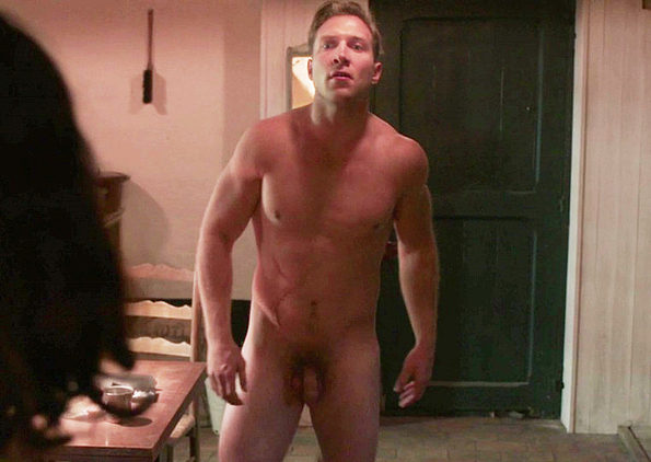 ralph fiennes nude gif