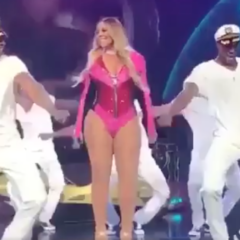 GOSSIP: Mariah Carey is this Performance is You Doing the Bare Minimum at Work on Mondays [Video]