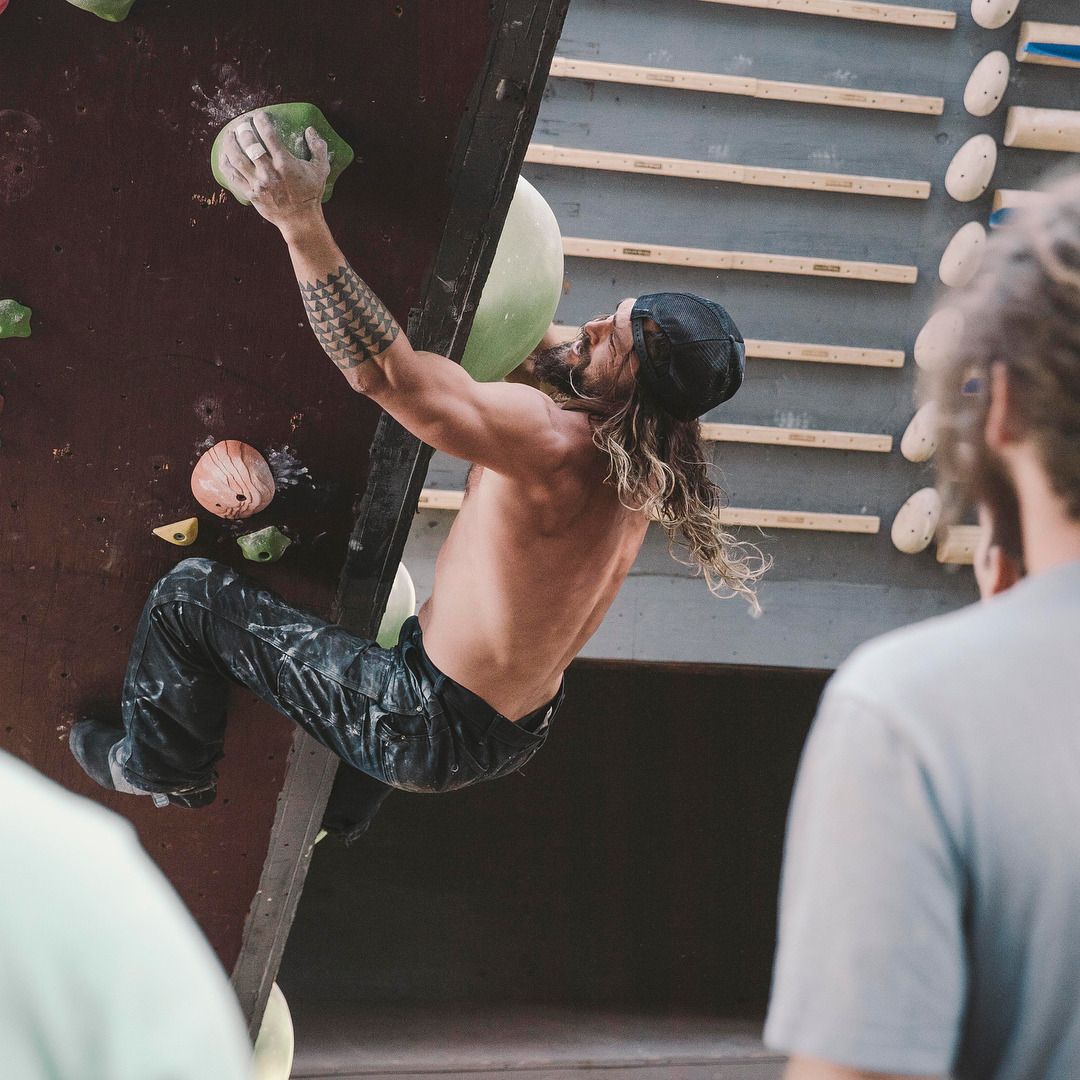 Jason Momoa Rock Climbing Will Complete Your Day