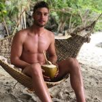'Temptation Island' star Joshua Feyton's naked bod is… very tempting (NSFW)